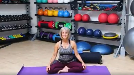 Body Flow with Jen from Aquamoves